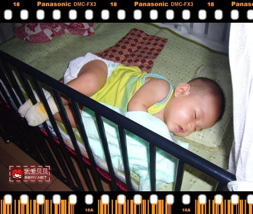 查看金东浩宝宝爱上侧睡照片
