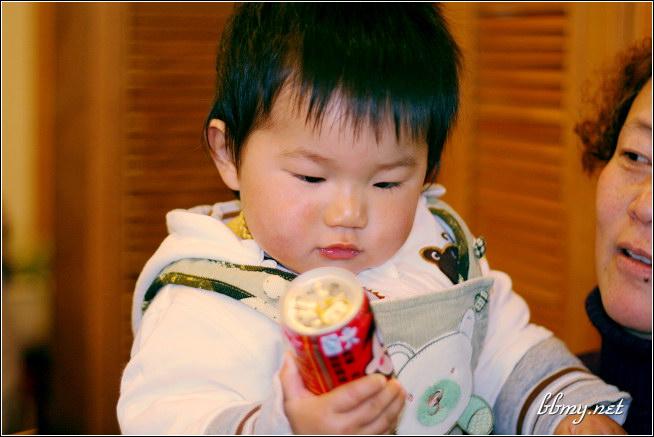 查看金东浩今天给宝宝过生日照片