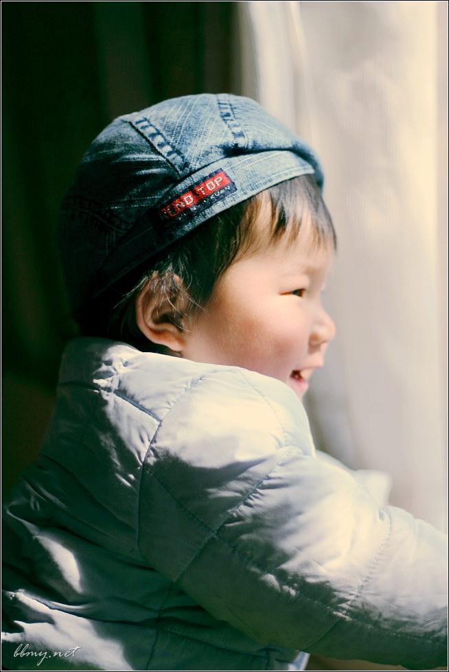 查看金东浩小贝有了贝雷帽照片
