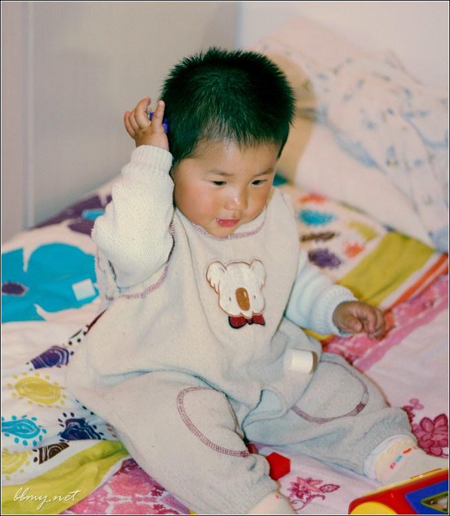 查看金东浩小熊贝贝照片
