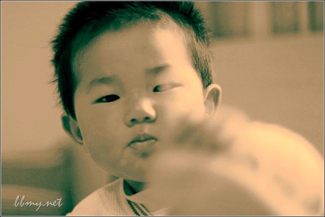查看金东浩棒棒糖照片
