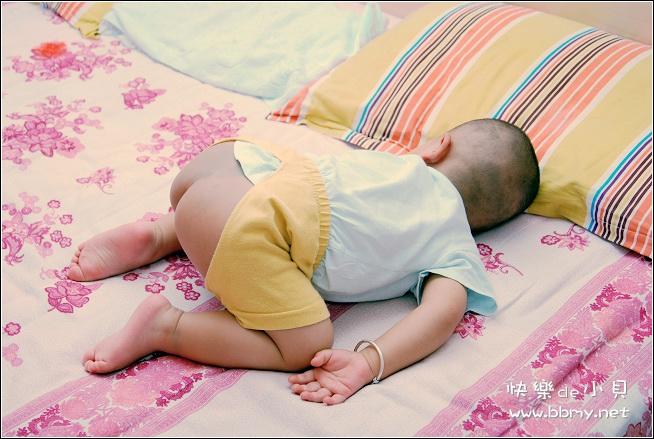 查看金东浩睡姿照片