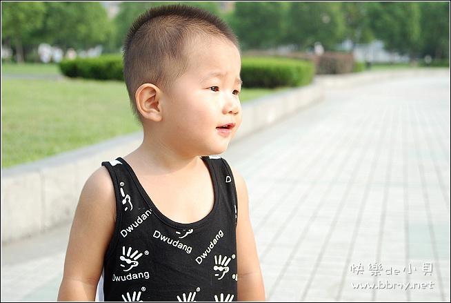查看金东浩夏日游之和平广场照片