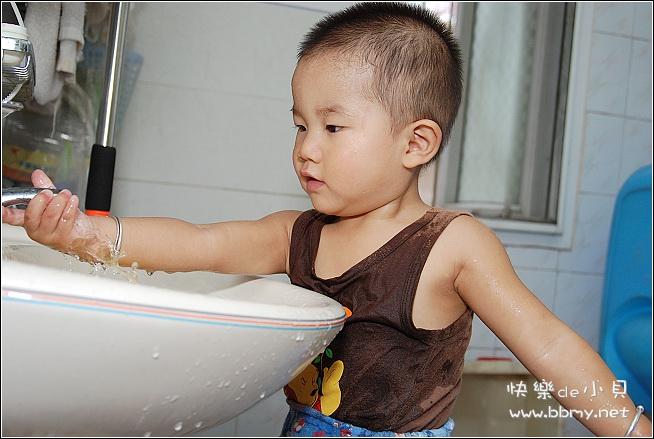 查看金东浩玩水照片