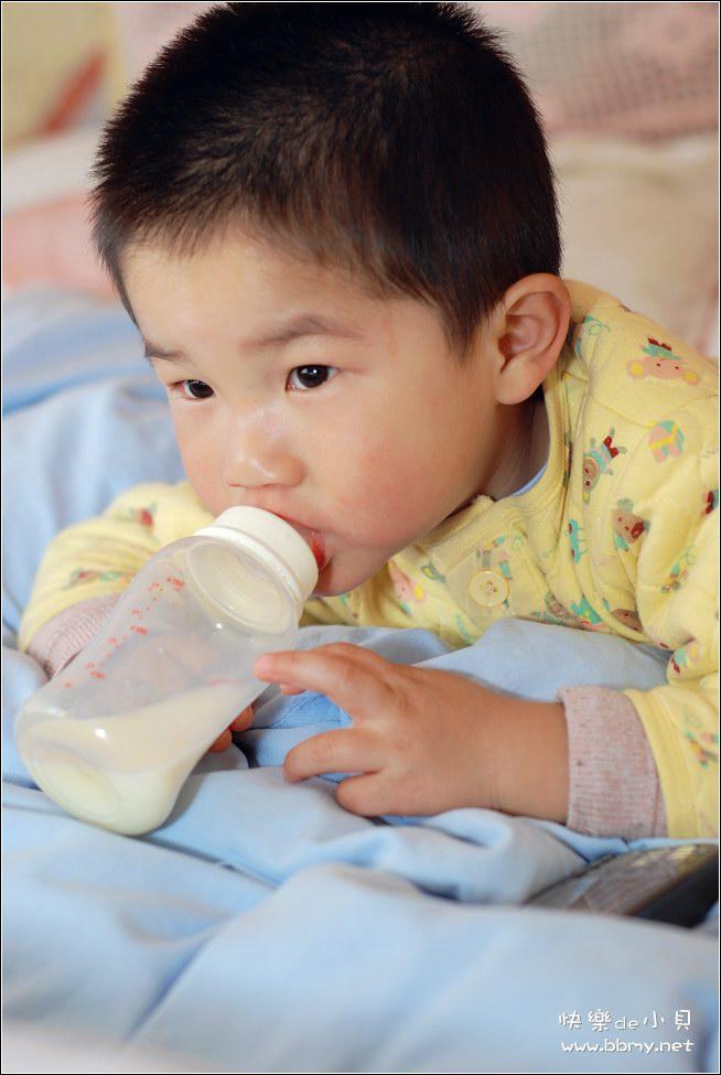 查看金东浩喝奶的更高要求照片
