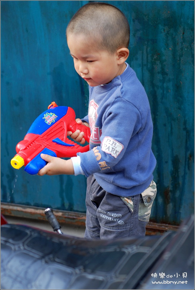 查看金东浩水枪照片